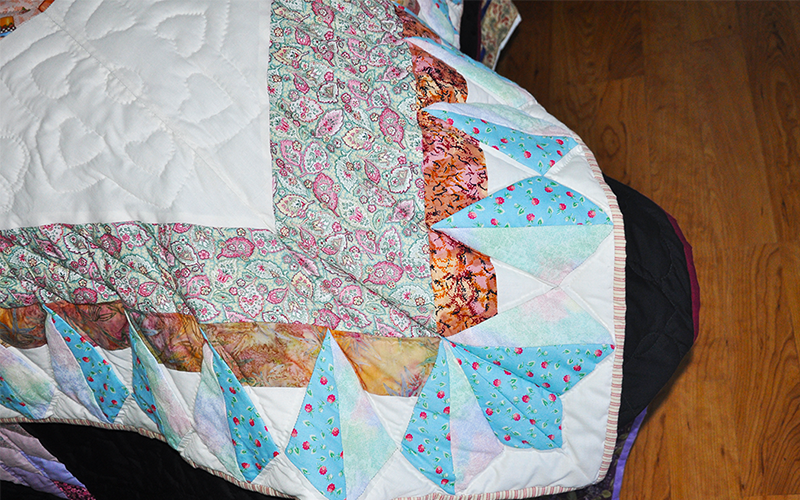 Amish Handmade Quilt – Twin Size, Kansas Star