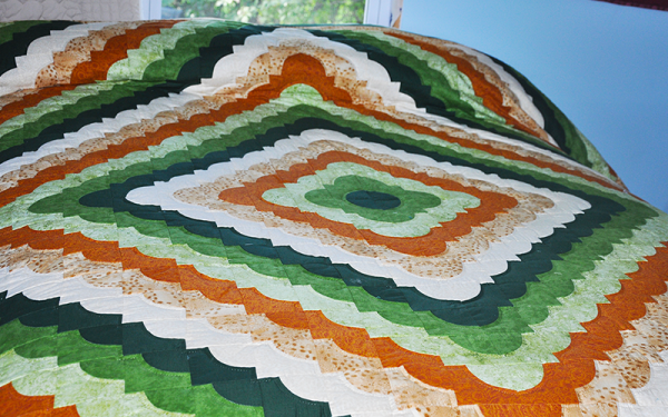 Amish Authentic Quilt – Queen Size, Love Ring
