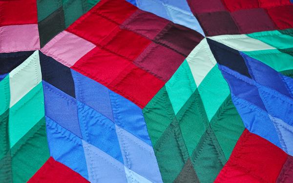 Amish Handmade Quilt – Queen Size, Rubicks Star