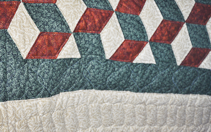 Handmade Amish Quilt – Full Size, Tumbling Block