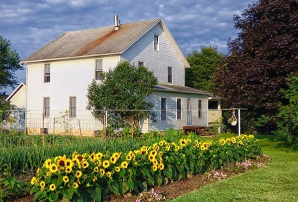 Serve God. Serve Your Neighbor. – Amish Devotional